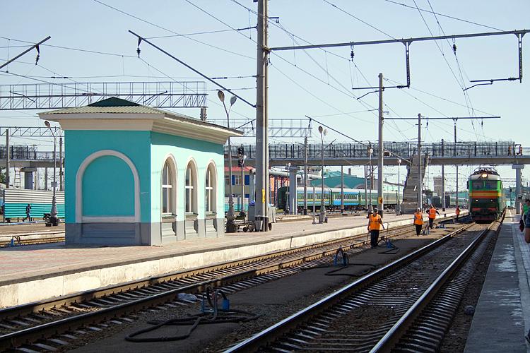 Tyumen russiaв тюмени пошёл на жд вокзалза зд вокзалом находится автобусная остановка и гостиницарешил заснять