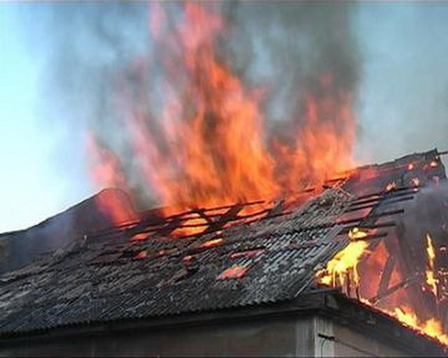ВКузбассе впожаре в личном доме погибли 4 человека
