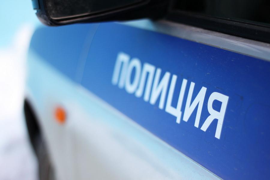 Накемеровской трассе напротив кафе отыскали труп 30-летней женщины