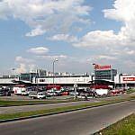 http://c.sibdepo.ru/wp-content/uploads/2017/09/Auchan_in_Brateyevo_01-900x590.jpg?x72766