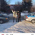 Kemerovo_sotrudniki_GIBDD_pomogli_devushke-videoblogeru