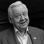 http://kuzbass85.ru/wp-content/uploads/2018/03/Oleg-Tabakov-chb.jpg