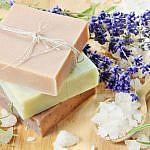 http://xn--b1addmfe5aaikeid.xn--p1ai/uploads/article/wysiwyg/19b8111f9f8e_handmade-Soap-Making-how-to-make1.jpg